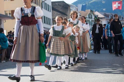 Die Kindertrachtengruppen Schüpfheim und Entlebuch. (Bild: Boris Bürgisser)