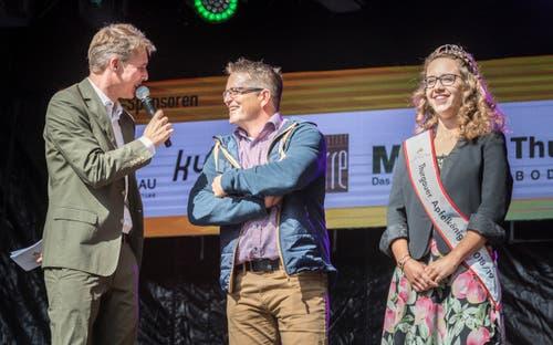 Die Wahl wurde von Reto Scherrer (ganz links) moderiert. (Bild: Andrea Stalder)