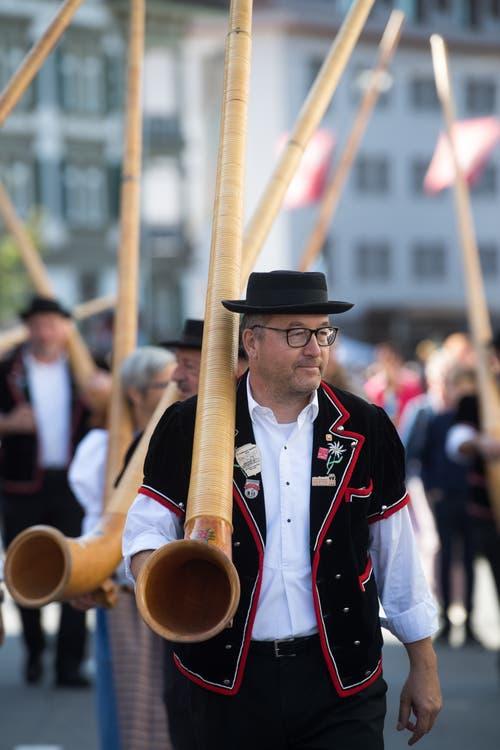Die Alphornbläservereinigung Amt Entlebuch. (Bild: Boris Bürgisser)