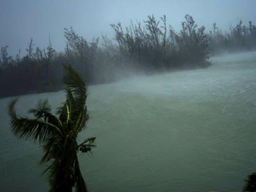 Mit Windgeschwindigkeiten von über 200 Stundenkilometern traf der Hurrikan «Dorian» auf die Bahamas. (Bild: Ramon Espinosa/Keystone, 2. September 2019)