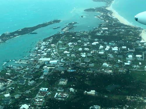 Luftaufnahmen zeigen das Ausmass der Zerstörungen durch Hurrikan «Dorian» auf den Bahamas. (Foto: Medic Corps via AP) (Bild: KEYSTONE/AP Medic Corps)