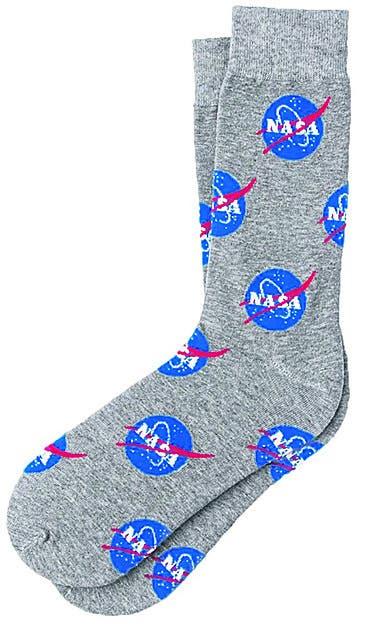 Auf www.thespacecollective.com findet der Nasa-Fan sogar Socken mit Nasa-Logo. Bild: zvg