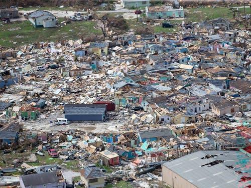 Wirbelsturm «Dorian» hat weite Teile der Bahamas völlig zerstört. 70'000 Menschen brauchen dringend Hilfe. (Foto: Al Diaz/Miami Herald via AP) (Bild: KEYSTONE/AP Miami Herald/AL DIAZ)