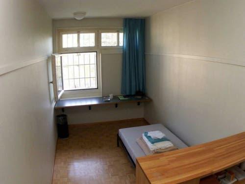 Gefängniszelle in der Walter Stürm sich das Leben nahm, aufgenommen am 13. September 1999. (Bild: KEYSTONE/MARIO GACCIOLI)