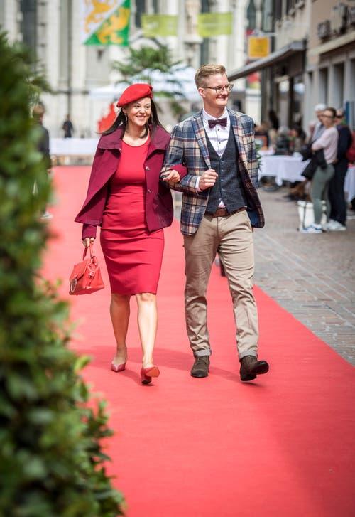 Frauenfeld TG - Auf der Zürcherstrasse in Frauenfeld wurde auf einem 150 Meter langen roten Teppich eine Open-Air-Modenschau durchgeführt.