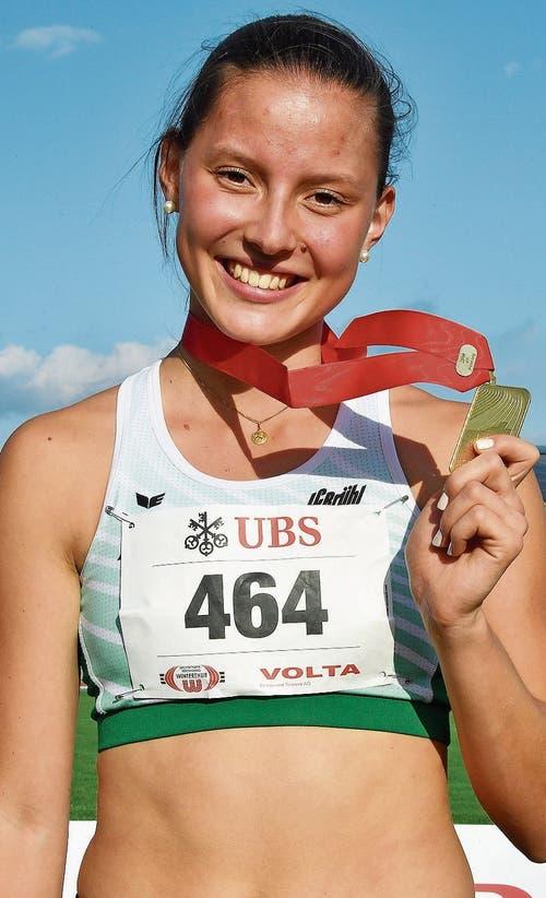 Nach zwei Silbermedaillen in der Elite gewann die Walzenhauserin Alina Tobler in der U23 die goldene Auszeichnung. Bild: Urs Siegwart