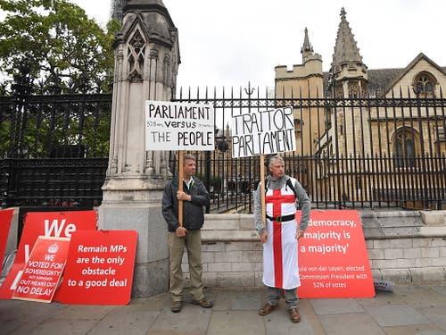 Brexit-Befürworter in London. (Bild: KEYSTONE/EPA/FACUNDO ARRIZABALAGA)