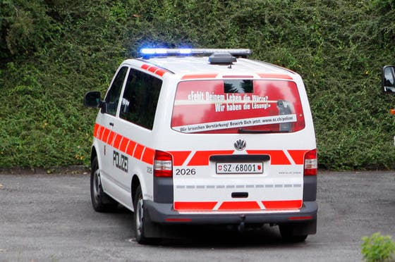 SCHWYZER POLIZEI: Werbekampagne sorgt für Wirbel | Luzerner Zeitung