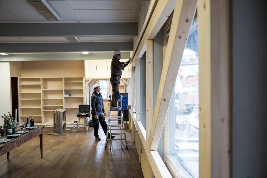 Das Eichwäldli wird von Zimmerleuten notfallmässig stabilisiert. Die Besetzer haben sich aus diesem Raum zurückgezogen. (Bild: Manuela Jans-Koch, 9. Januar 2019)