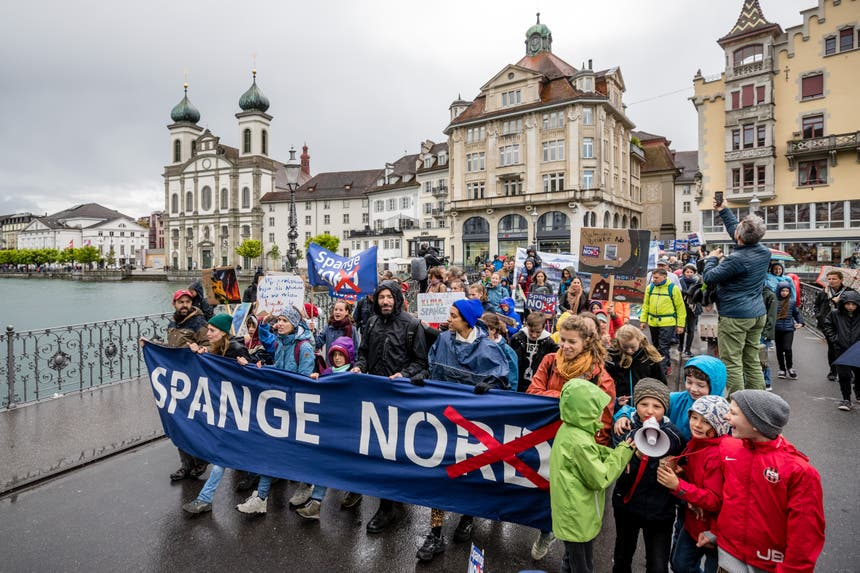 Der Protestmarsch führe durch die Luzerner Altstadt.