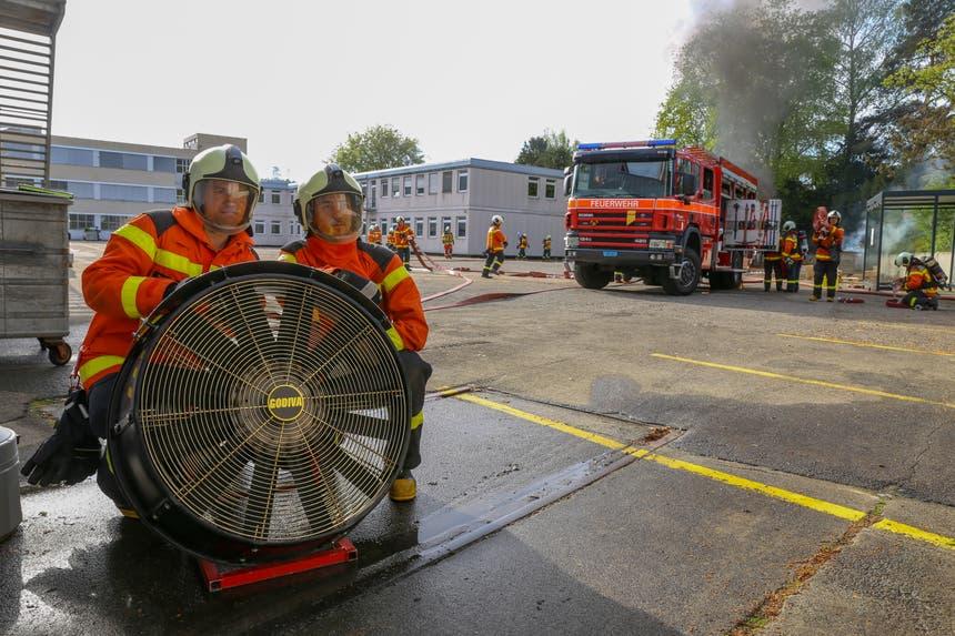 Feuerwehrdienst zu leisten, heisst ... (Bild: Raphael Rohner)